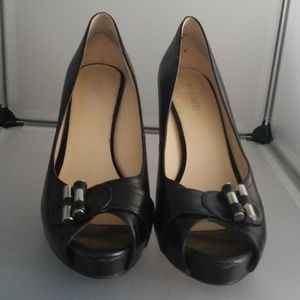 Nine West Platform Heels Size 9.5